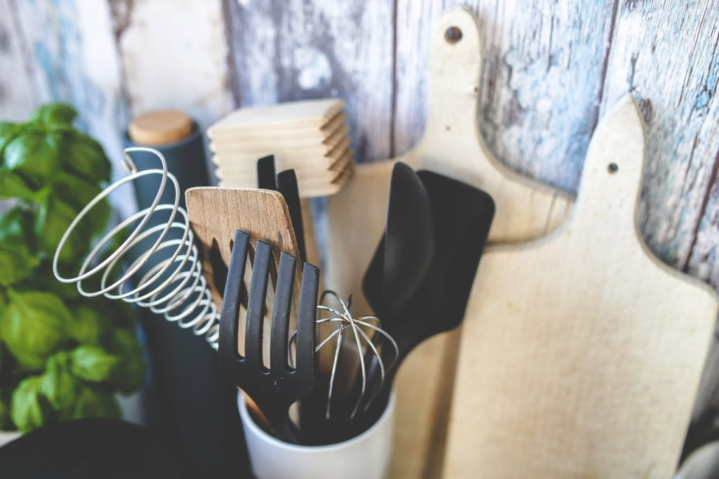 10 Best Kitchen Utensil Sets - Review & Buyer's Guide