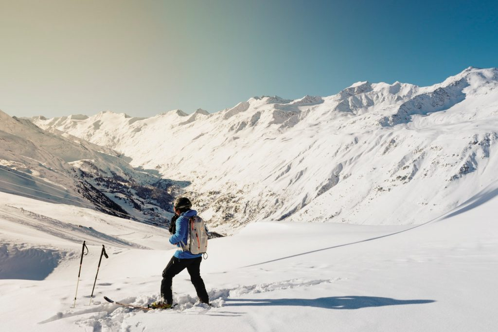 Buyer's Guide for the Best Ski Pants for Men and Women
