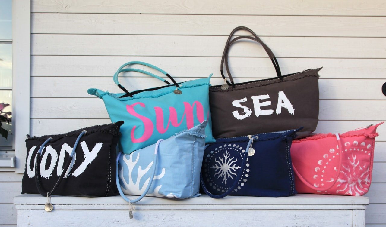Beach Bags – Reviews & Buying Guide